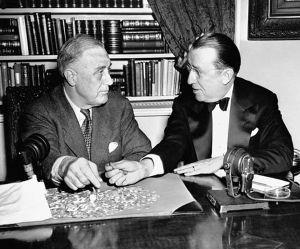 Salk és Roosevelt (balra) /Wikipedia